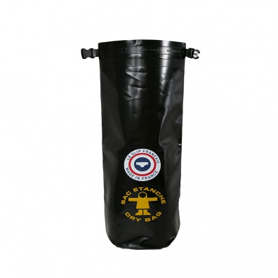 Le sac imperméable noir